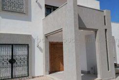 Une Belle Villa Contemporaine Avec Piscine Privé A louer A l'année à Houmt Souk