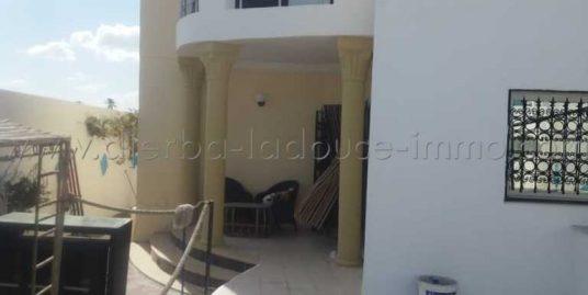 Maison à louer meublée à l'année à Temlel-Midoun