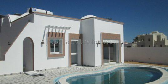 Petite Villa Indépendante Avec Piscine Privé A Louer A L'année A Tézdaine